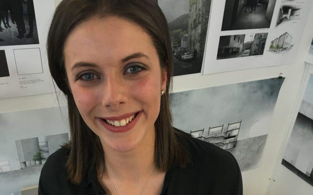 Eve Turkington wins Head of School Prize at UU